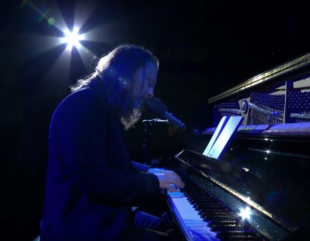 Thom-Yorke-on-Colbert