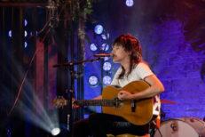 Courtney-Barnett-on-MTV-Unplugged