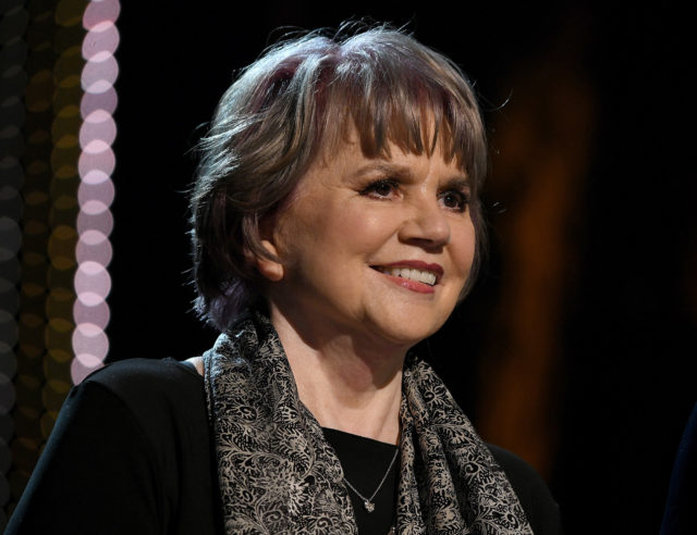 Linda Ronstadt Injects Nasty, Political Note into KC Honors