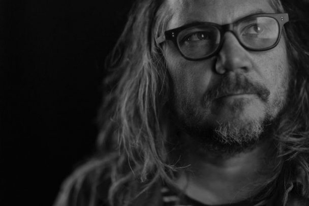 "Jeff Tweedy Covers John Prine's ""Please Don't Bury Me"": Watch"