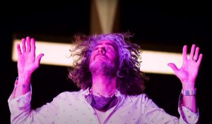 The-Flaming-Lips-God-And-The-Policeman
