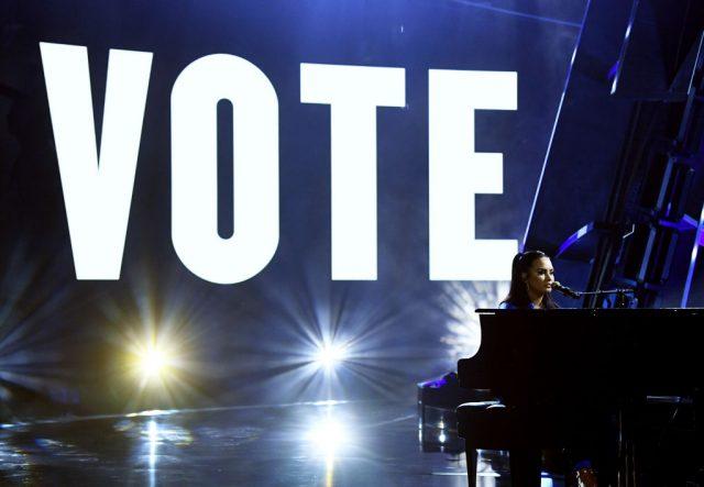 Demi-Lovato-Billboard-Music-Awards