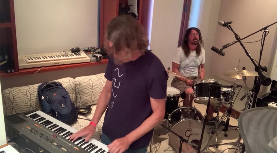 "Watch Dave Grohl & Greg Kurstin Cover Beastie Boys' ""Sabotage"" For Hanukkah"