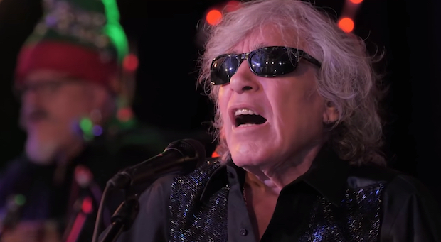 """Watch José Feliciano's 50th Anniversary Performance Of """"Feliz Navidad"""""""