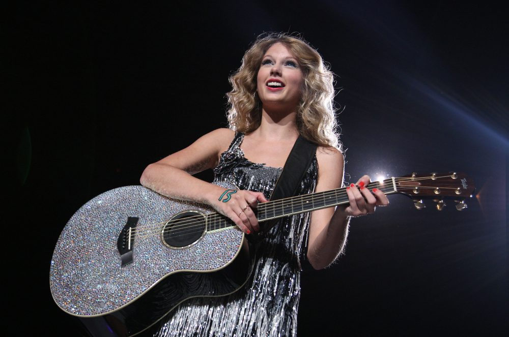 Taylor Swift 'Fearless (Taylor's Version)' Review