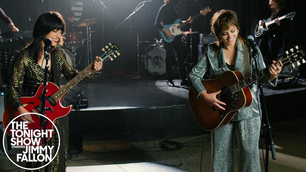 Angel-Olsen-and-Sharon-Van-Etten-1623244