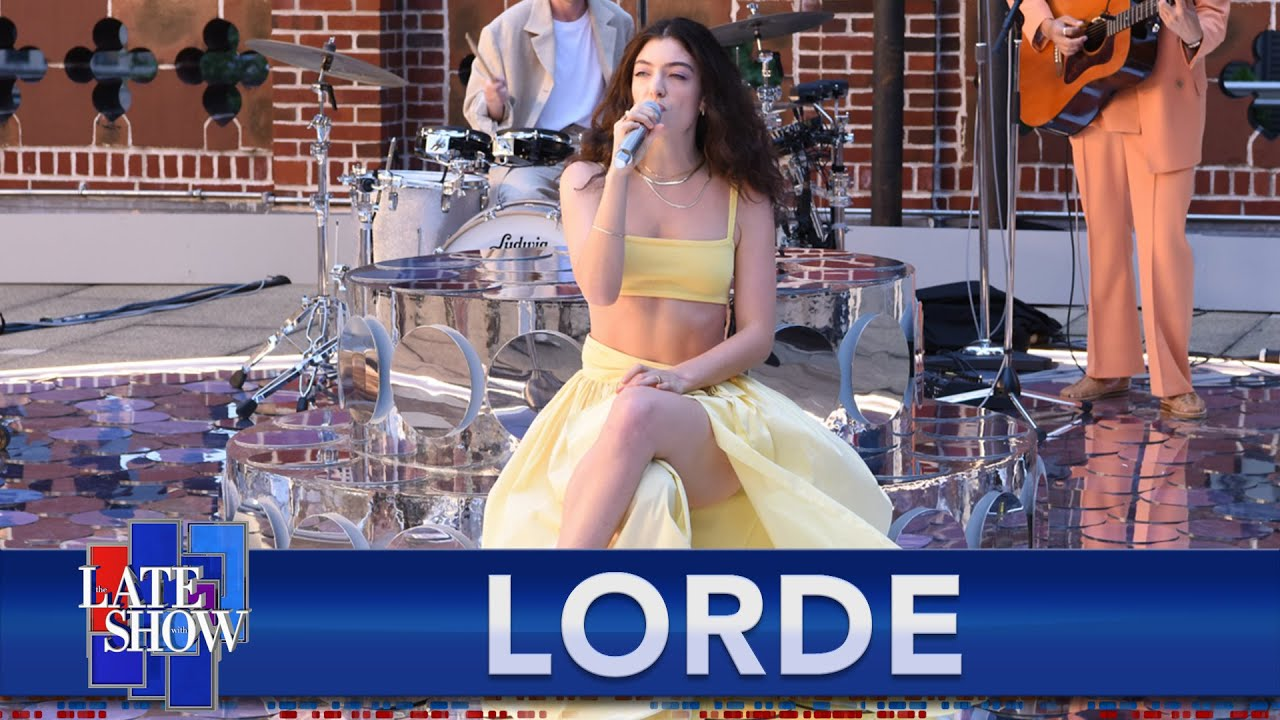 """Lorde Performs """"Solar Power"""" Live For The First Time On ..."""