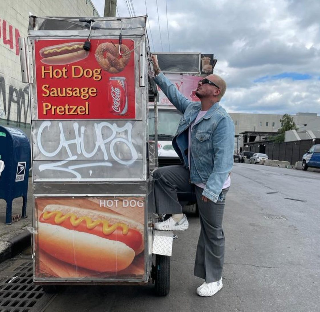 Residente Responds To J Balvin's Latin Grammys Boycott, Compares His Music To A Hot Dog Cart