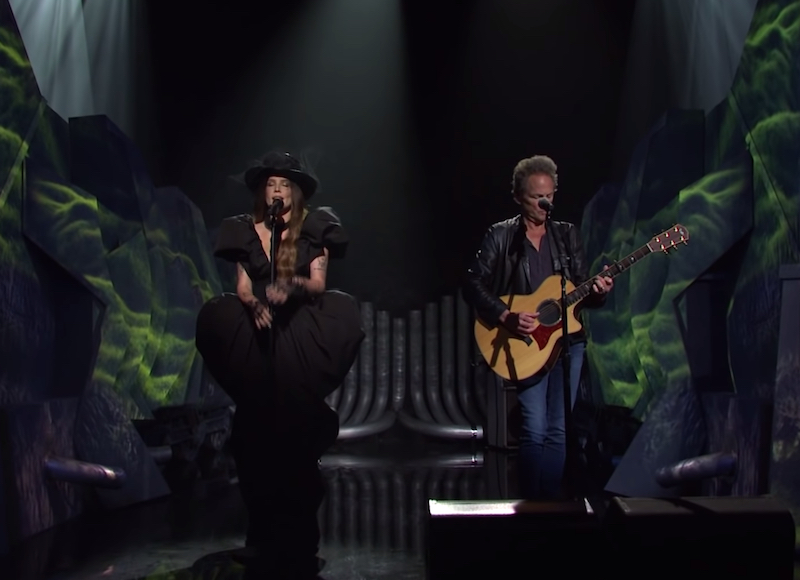 Watch Halsey Perform With Lindsey Buckingham On SNL